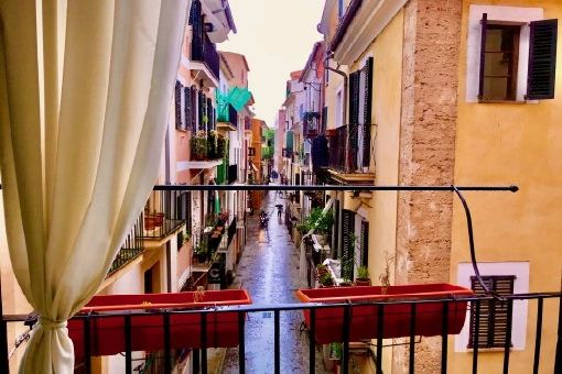 Nice old town apartment with gas central heating and air conditioning in Palma