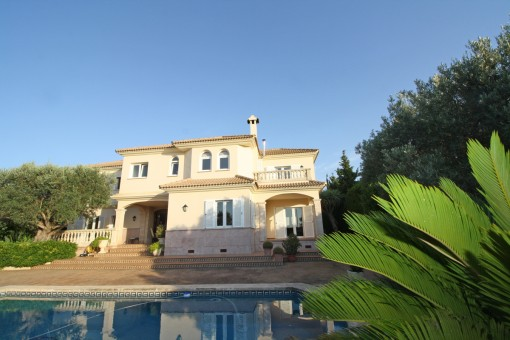 Luxurious villa with wonderful sea views in Sa Torre