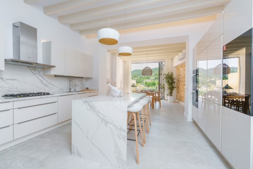 Luxurious town-house with pool and views of the Tramuntana in Alaro