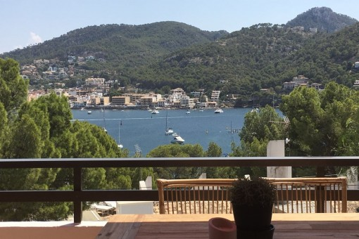 Completely renovated apartment with sea views close to the harbour in Port Andratx