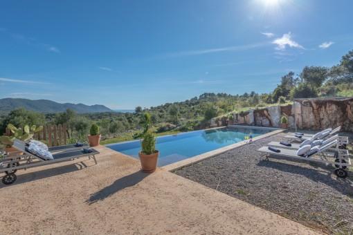 Finca with fantastic panoramic views near Arta