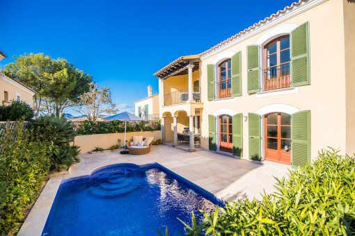 Renovated semi-detached house on the 1st sea line with private pool and sea views in Santa Ponsa