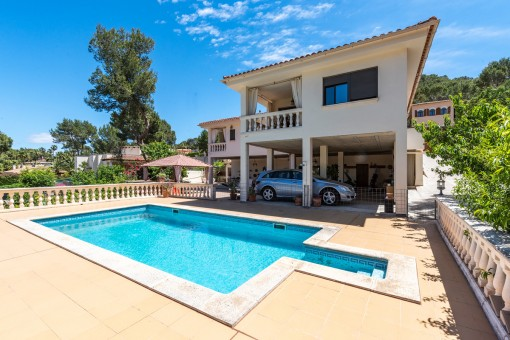 Family-friendly house with private garden and pool in Santa Ponsa