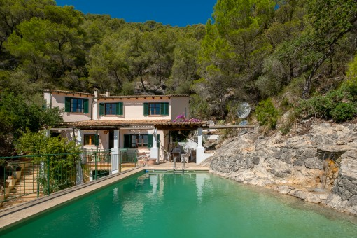 Romantic finca in a secluded location with breathtaking views near Alaro