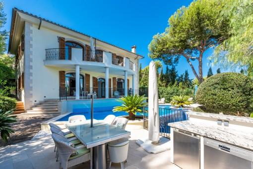 Stylish villa with pool and sea views in Santa Ponsa
